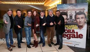 L'ora legale, il film di Ficarra e Picone dove si ride della nostra Italia