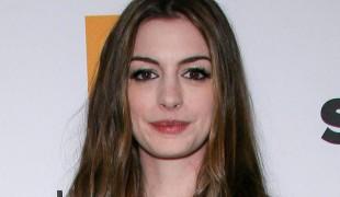 """Anne Hathaway, la rivelazione sull'alcol: """"Basta col bere per i prossimi 18 anni"""""""
