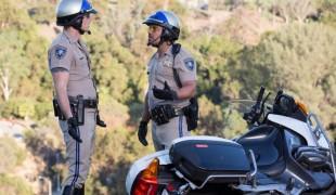 CHiPs: Jon Baker e Poncherello sembrano i protagonisti di American Pie