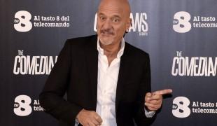 The Comedians: al via su TV8 la nuova sit-com con Claudio Bisio e Frank Matano