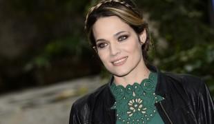 Laura Chiatti incinta: l'attrice smentisce lo scoop e attacca Sandro Mayer