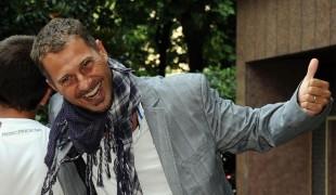 Reazione a Catena: Gabriele Corsi registra la prima puntata, il saluto di Amadeus
