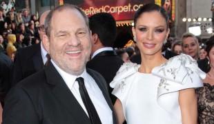 """""""Mi faceva pulire lo sperma dal suo divano"""", nuove accuse per Weinstein"""