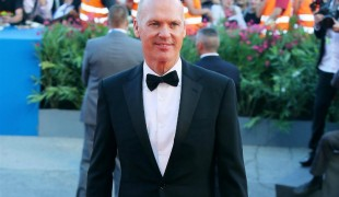 "Come potrebbe apparire Michael Keaton in un film di ""Batman Beyond""?"
