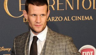 The Crown: Matt Smith risponde alle polemiche sul compenso di Claire Foy