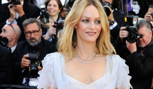 Vanessa Paradis, ex di Johnny Depp, sposa Samuel Benchetrit in Francia