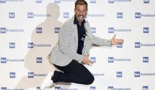 Gabriele Corsi: il conduttore di Reazione a Catena ha conquistato la moglie con...