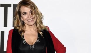 Mediaset chiude Live - Non è la D'Urso? Zingaretti difende Carmelita