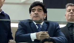 """È stata la mano di Dio, Maradona contro Sorrentino: """"Non deve usare la mia immagine"""""""