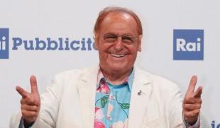 """Renzo Arbore torna in tv su Rai 5: """"La canzone napoletana vi sorprenderà"""""""