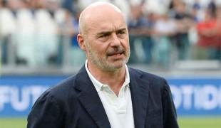 Va sempre in giro con un taccuino in tasca, ecco chi è Luca Zingaretti