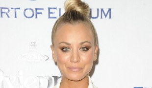 "Scopri chi è Kaley Cuoco, la sexy vicina di Leonard in ""The Big Bang Theory"""