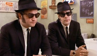 "The Blues Brothers, Dan Aykroyd rivela: ""Sul set la cocaina scorreva a fiumi"""