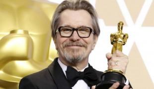 'Mank', nuovo film di David Fincher girato in bianco e nero con Gary Oldman