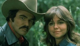 Il bandito e la madama torna in tv: il cult movie con Burt Reynolds diventa una serie