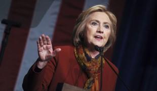 Impeachment: American Crime Story, Edie Falco sarà Hillary Clinton nella serie tv