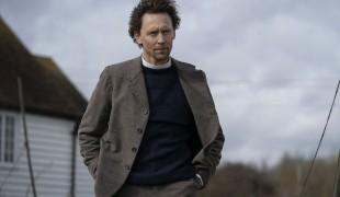 Tom Hiddleston affianca Claire Danes nella serie Essex Serpent: ecco le prime foto