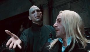 """Ralph Fiennes contro il politicamente corretto: """"Non capisco chi critica J.K. Rowling"""""""