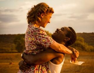 A United Kingdom: è come essere sul set della storia d'amore che ha cambiato il mondo