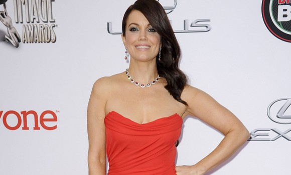False Profits: Bellamy Young sarà protagonista della nuova serie tv ABC
