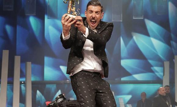 Tapiro d'oro a Francesco Gabbani dopo l'Eurovision Song Contest