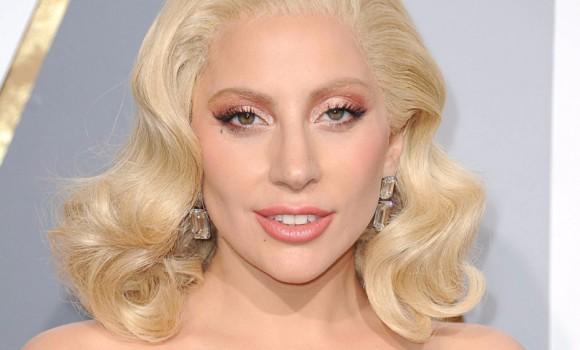 Gaga: Five Foot Two: il trailer del documentario su luci e ombre di Lady Gaga