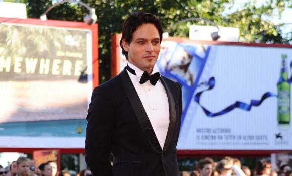 Gabriel Garko: il sexy attore e quella voglia di paternità che...