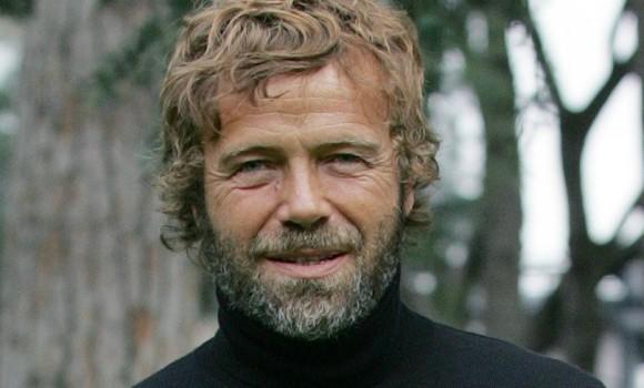 Massimo Ciavarro: dai fotoromanzi al successo in tv. Ecco chi è