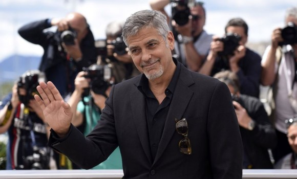 George Clooney coinvolto in un incidente stradale in Sardegna (VIDEO)