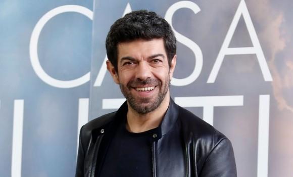 Amante dello sport e attore di stampo internazionale, ecco qualche curiosità su Pierfrancesco Favino