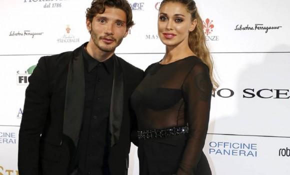 Belen Rodriguez e Stefano De Martino, baci in pubblico a Napoli: è tornato l'amore?