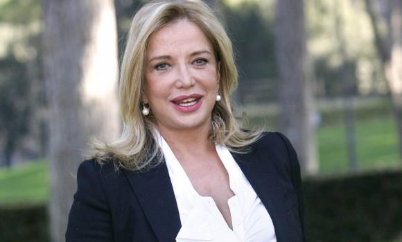Simona Izzo: una carriera da incorniciare tra cinema e salotti tv