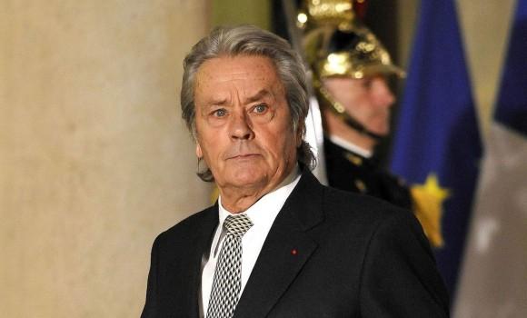 Alain Delon colpito da ictus ecco le condizioni di salute dell'attore francese