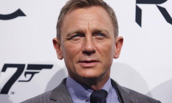 Bond 25, incidente sul set per Daniel Craig: le riprese si bloccano