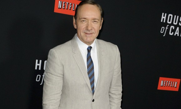 Kevin Spacey come Frank Underwood: 'Uccideteli con la gentilezza'