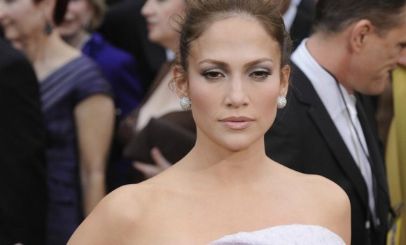 Jennifer Lopez rivela: 'Volevo fare la spogliarellista'