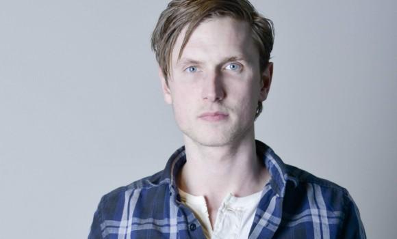 È considerato l'attore più promettente della Scandinavia: ecco chi è Mikkel Boe Følsgaard