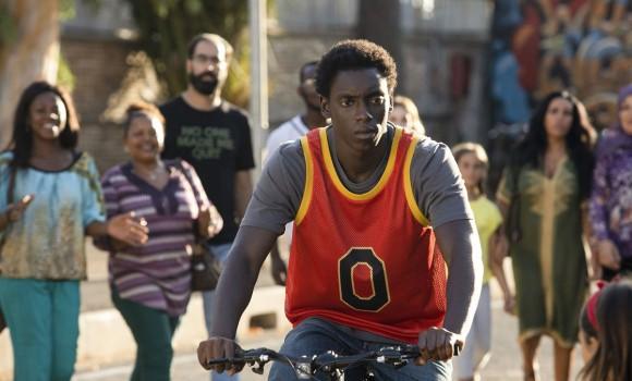 Zero, la serie Netflix si presenta con il teaser e un inedito di Marracash