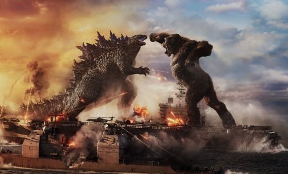 """Godzilla vs Kong fa incassi record nel mondo, i fan contro Warner: """"Ma quando esce in Italia?"""""""