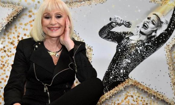 La Rai prepara una serie tv su vita e carriera di Raffaella Carrà