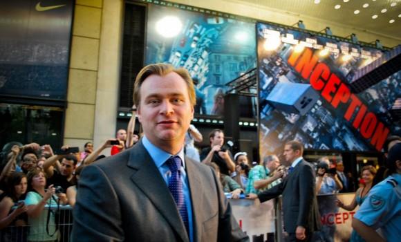 Il prossimo film di Christopher Nolan sarà su J. Robert Oppenheimer, il fisico della prima bomba atomica