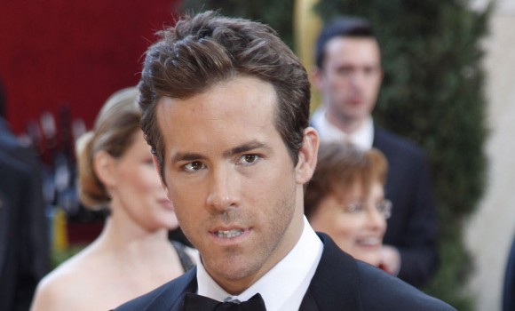 Ryan Reynolds ricrea le scene di The Notebook con...