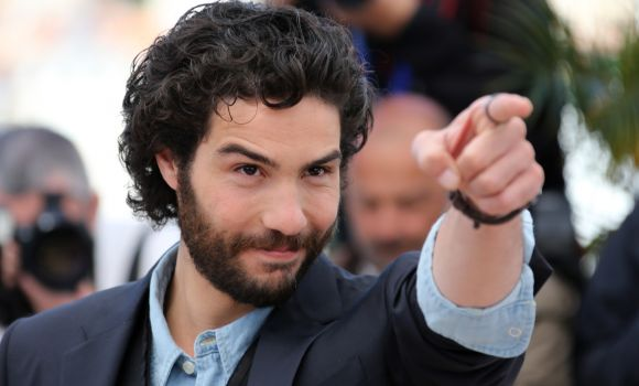 Chi è il doppiatore di Tahar Rahim in The Last Panthers