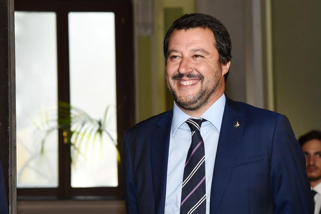 Uno Mattina Estate 2019, conduttore Roberto Poletti: esplode la protesta