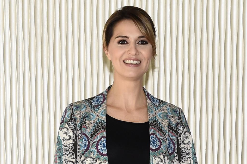 Un primo piano di Paola Cortellesi, protagonista della serie tv Sky Petra