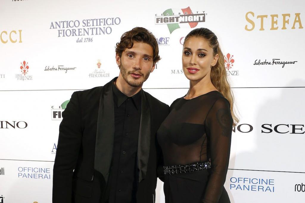 Un primo piano di Stefano De Martino e Belen Rodriguez
