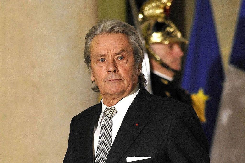Alain Delon colpito da ictus: ecco le condizioni di salute dell'attore francese