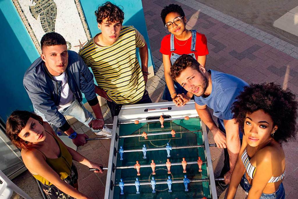 Summertime, la serie tv Netflix avvia le riprese: foto e cast