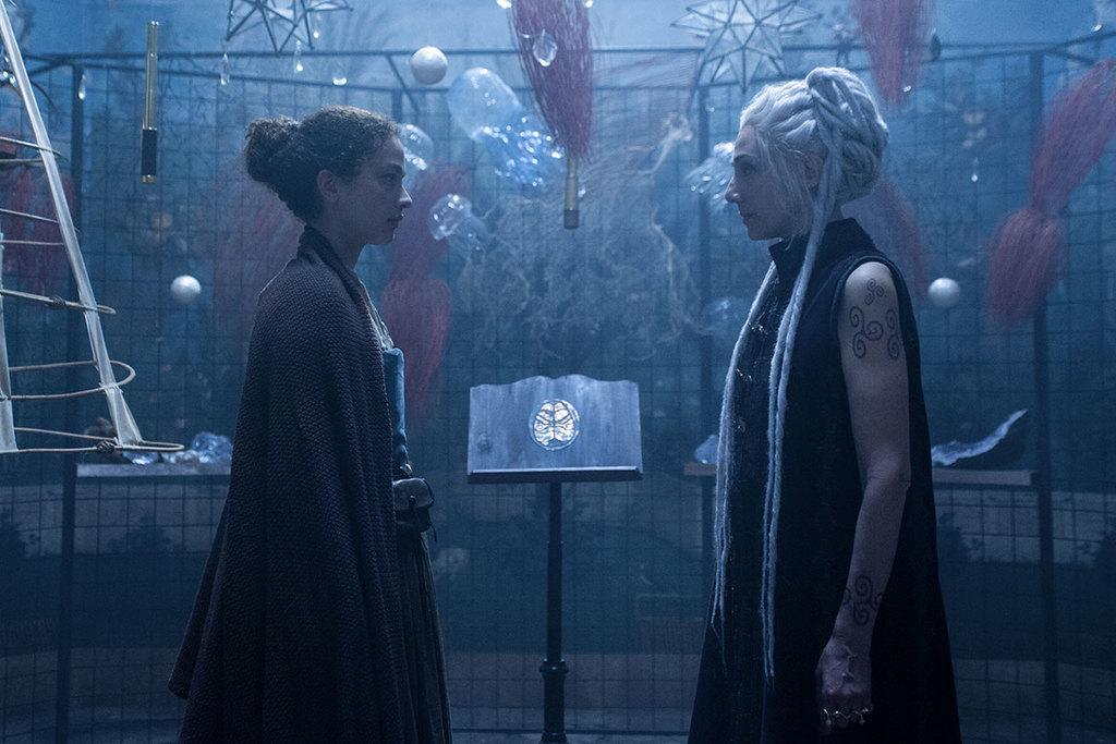 Luna Nera: le prime immagini della serie tv Netflix
