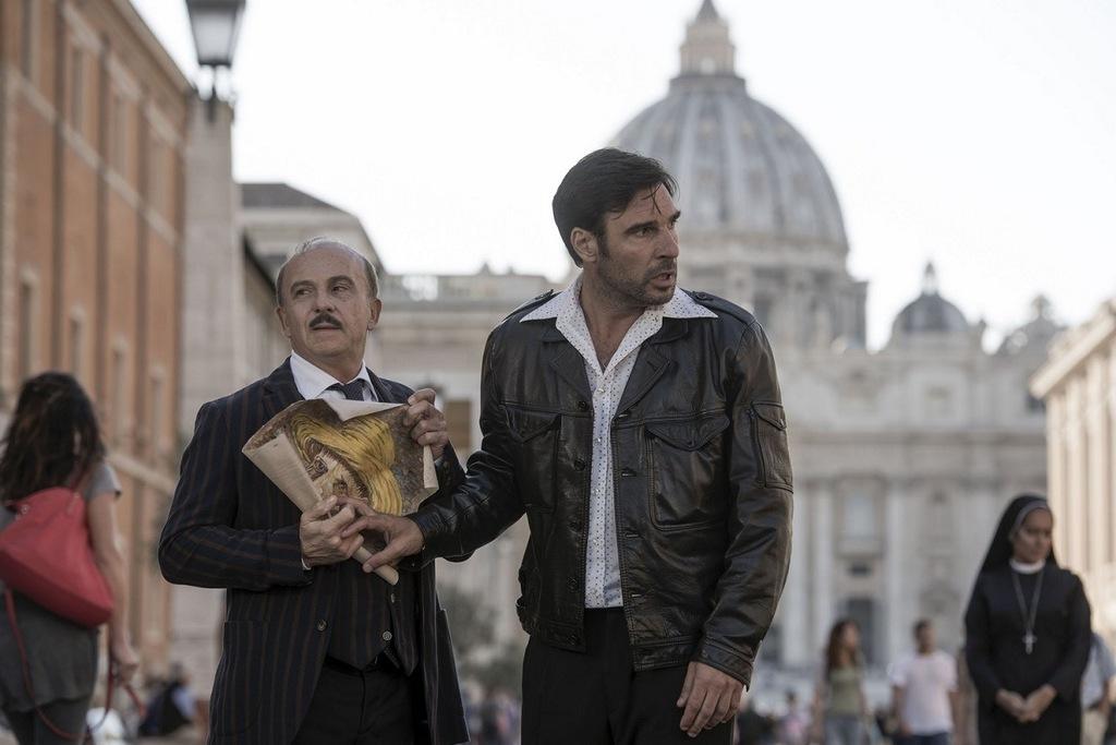 Carlo Buccirosso e Edoardo Leo in una scena del film Ritorno al crimine